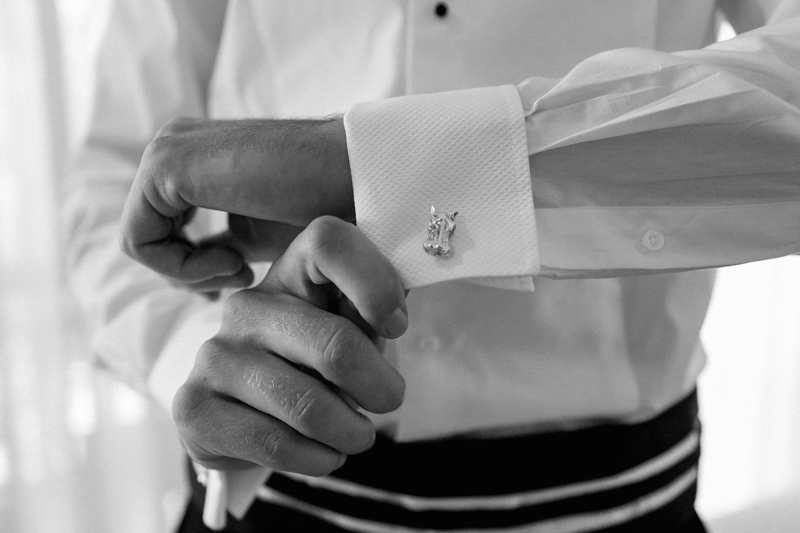 Dust-and-Dreams-Photography_ Groom-Style-Guide-cufflinks