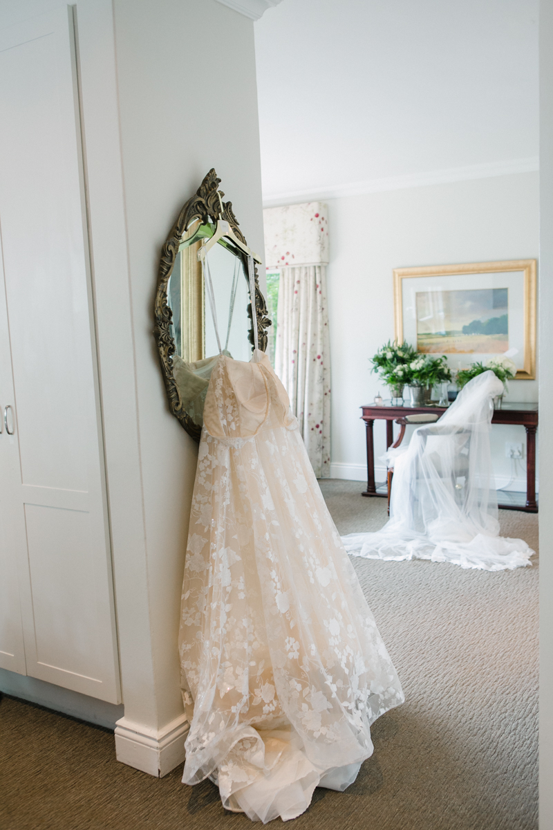 Dust-and-Dreams-Photography_Walkersons-Hotel-and-Spa-Wedding Dress
