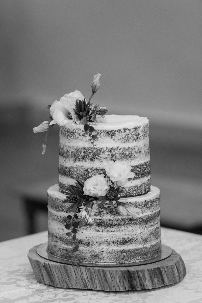 Dust-and-Dreams-Photography_Walkersons-Hotel-and-Spa-Cake